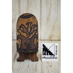 Porta mòbil de fusta